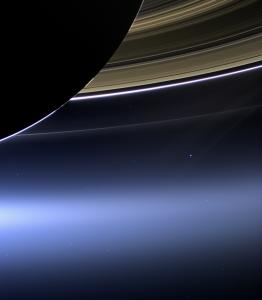 La Tierra vista desde Saturno por Cassini